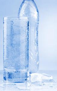 Tiesitkö että keskimäärin hikoillessasi 1 litran nestettä, olet kuluttanut 600 kaloria suorituksen aikana?